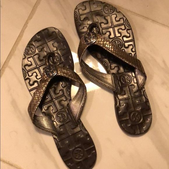 a1783a550 Tory Burch Flip Flops Size 35. M 5c6e05bf0cb5aaea325d7365
